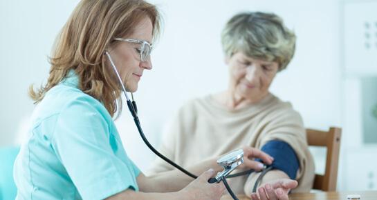 Blutdruckmessung - Wie macht man es richtig? - DrEd
